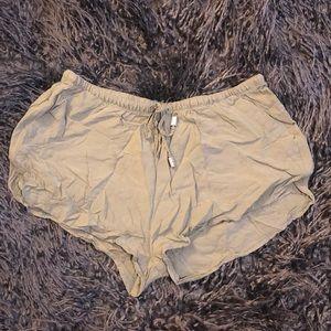 H&M Cargo Green Lightweight Shorts